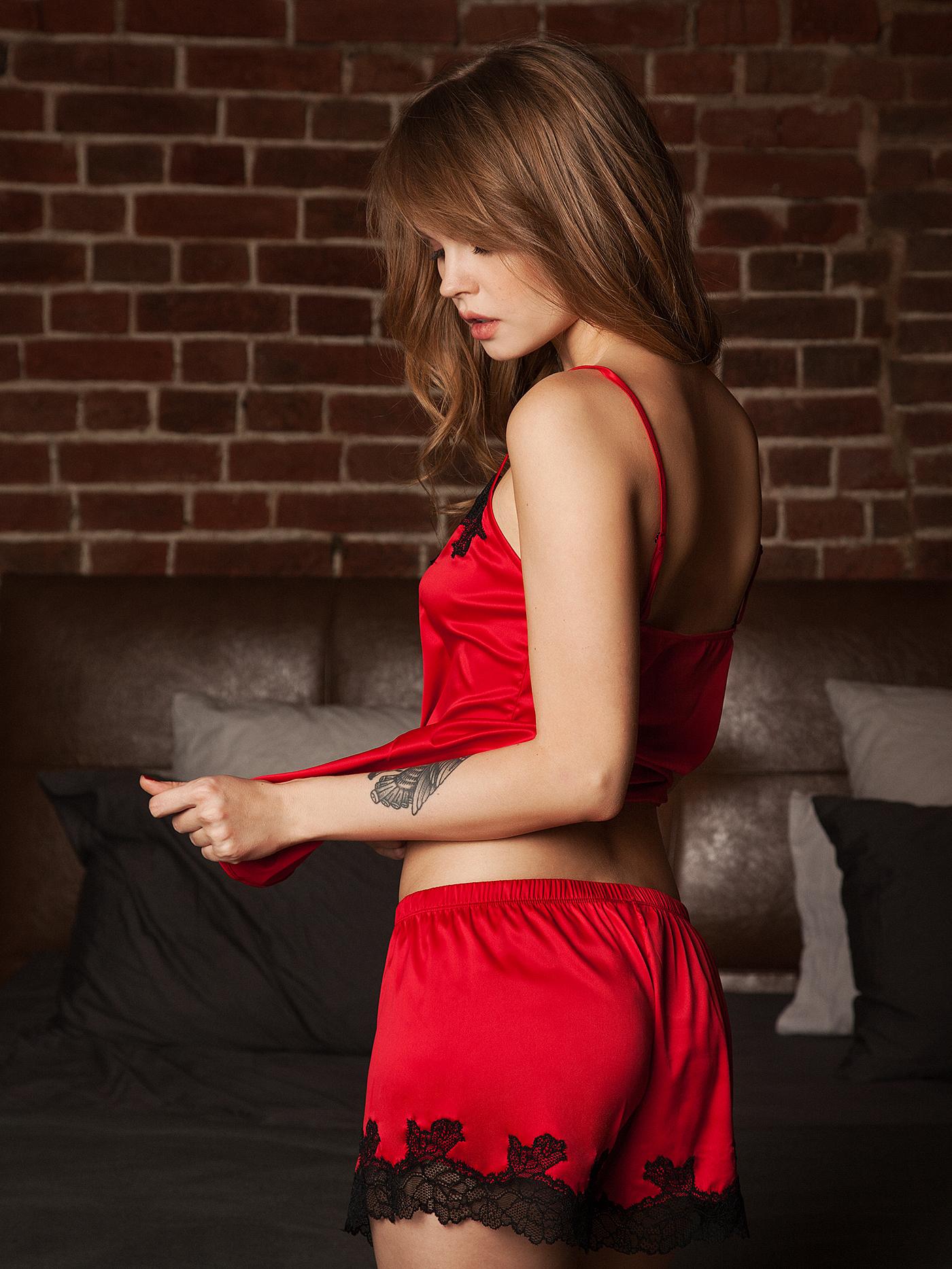Шорты croisette secret night homeБюстье<br>шорты<br><br>Цвет: Красный<br>Декор: Кружево<br>Стилистика: Сексуальное<br>Направление: Бюстье<br>Пол: Женский<br>Материал: 85%ПЭ;10%ПА;5%ЭЛ<br>Размер: 1